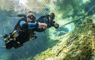 Sidemount diver Moalboal