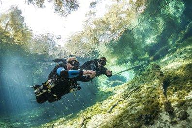 Sidemount divers Cebu
